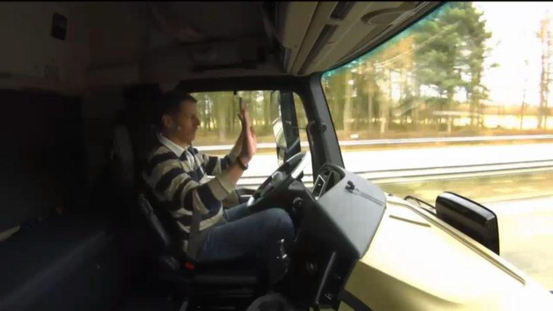 Selbstfahrende LKW auf Autobahnen (Foto: Daimler)