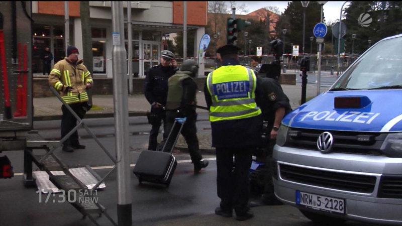 Herrenloser Koffer in Viersen (Foto: SAT.1 NRW)