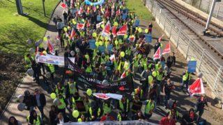 Tausende Telekom-Mitarbeiter streiken (Foto: SAT.1 NRW)
