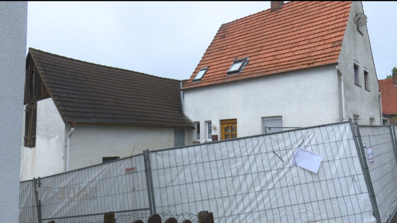 Spürhunde suchen Leichenteile in Höxter (Foto: SAT.1 NRW)