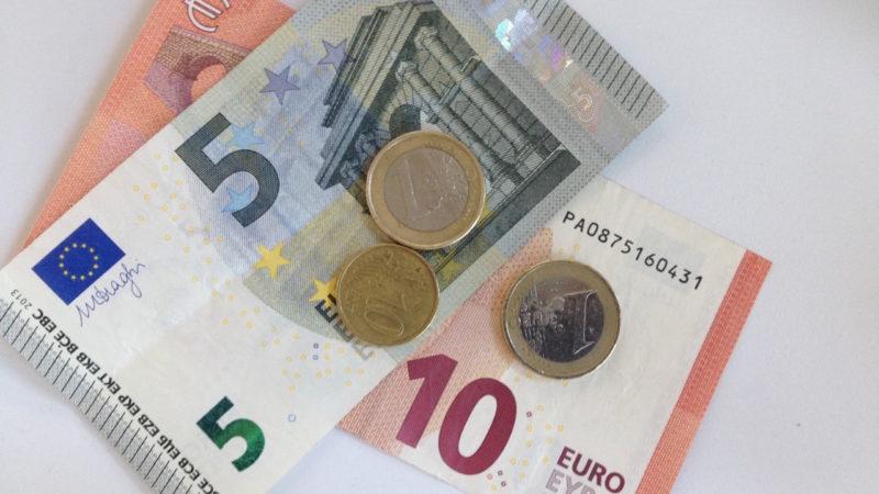 1 Euro Gebühr für Barzahlungen (Foto: SAT.1 NRW)