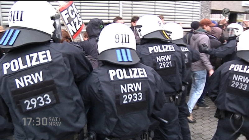 Polizei testet Elektrotaser (Foto: SAT.1 NRW)