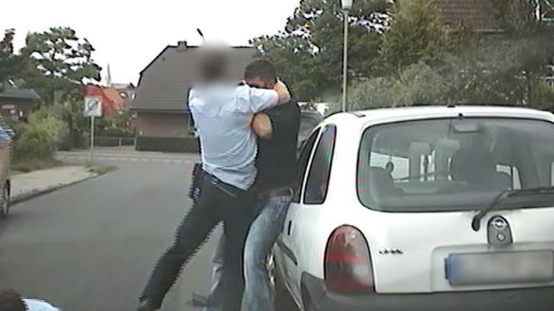 Herforder Prügelpolizisten vor Gericht (Foto: SAT.1 NRW)