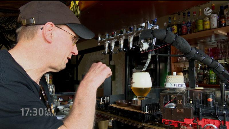 Modellbahn bringt Bier (Foto: SAT.1 NRW)