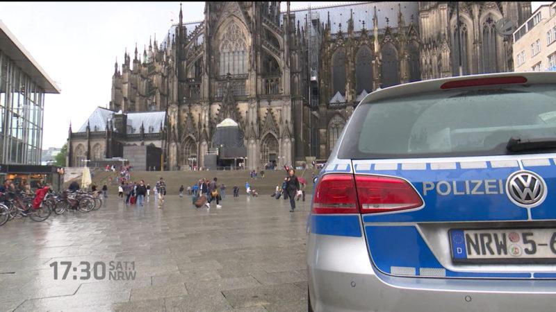 Hooligans verprügeln Touristen in Köln (Foto: SAT.1 NRW)