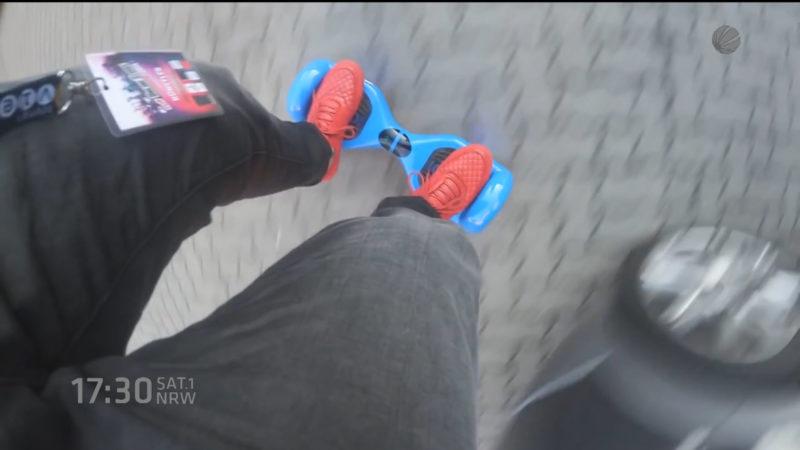 Hoverboard gefahren - Anzeige (Foto: SAT.1 NRW)