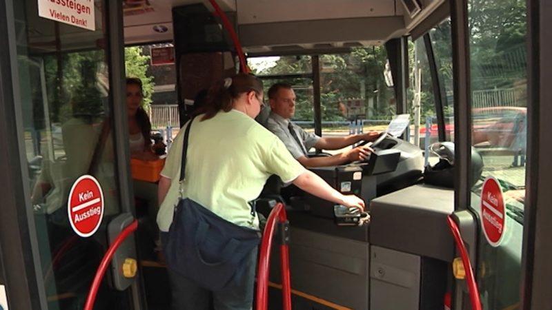 Freundlichkeits-Schulung für Busfahrer (Foto: SAT.1 NRW)