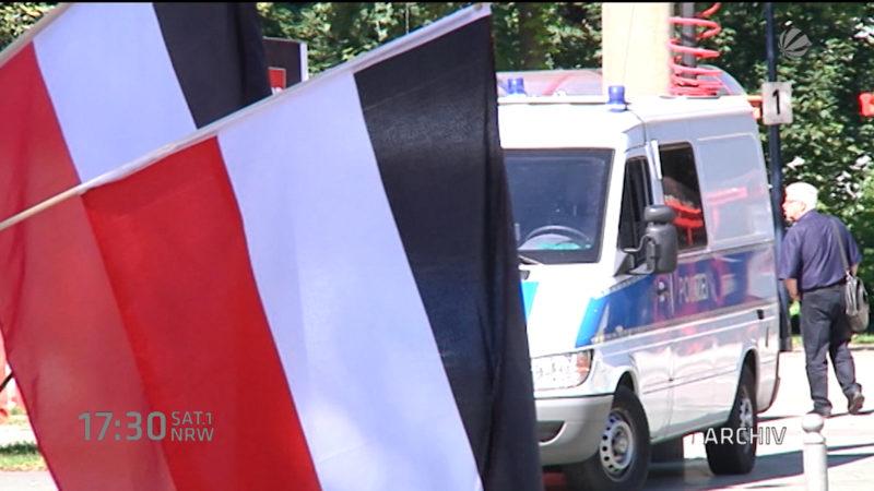 Flugblattaktion vor Nazi-Demo (Foto: SAT.1 NRW)