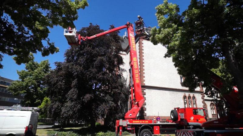 Feuerwehr rettet Feuerwehr (Foto: SAT.1 NRW)