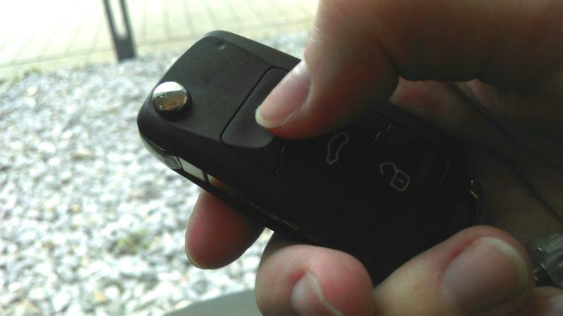 Auto in Sekundenschnelle geknackt (Foto: SAT.1 NRW)