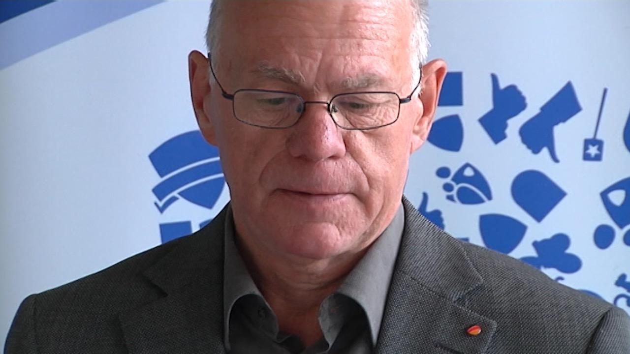 Lammert vernichtet Montblanc-Akten (Foto: SAT.1 NRW)