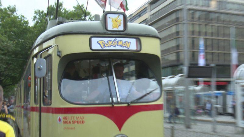 Unterwegs mit der Pokemon-Bahn (Foto: SAT.1 NRW)