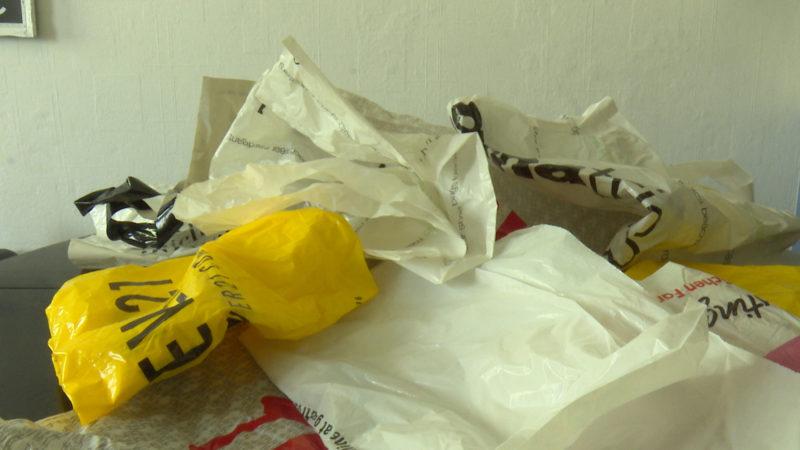 Tschüss Plastiktüten (Foto: SAT.1 NRW)