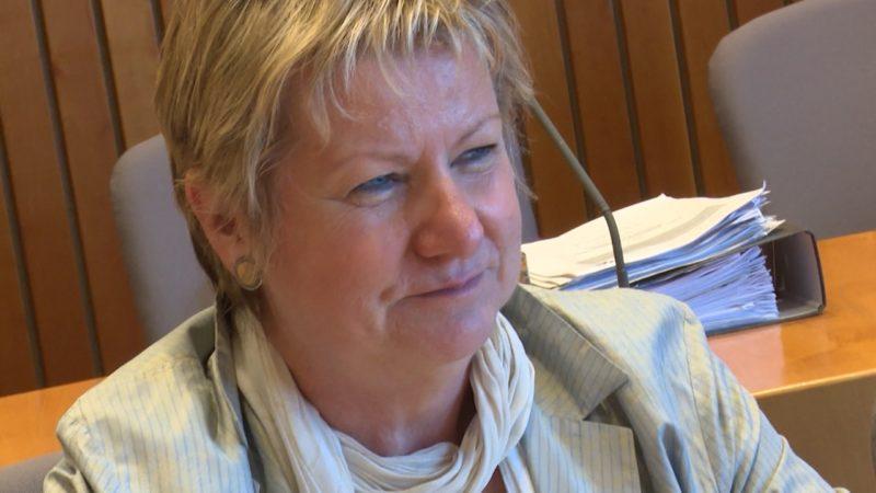 Schulministerin steht nicht mehr hinter G8 (Foto: SAT.1 NRW)