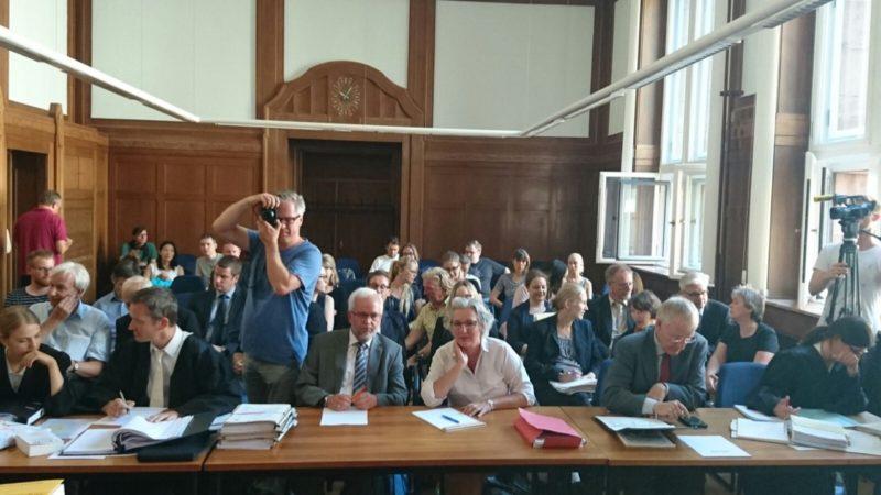 Dicke Luft vor Gericht (Foto: SAT.1 NRW)