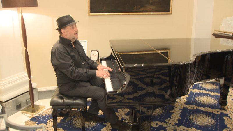 Harold Faltermeyer im Interview (Foto: SAT.1 NRW)