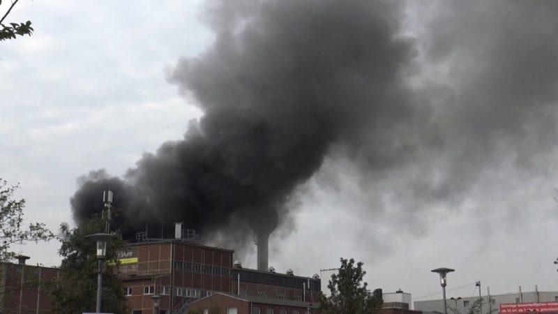 1 Toter bei Brand in Schreinerei (Foto: SAT.1 NRW)