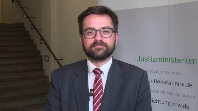 Justizminister kritisiert Abschiebungen (Foto: SAT.1 NRW)
