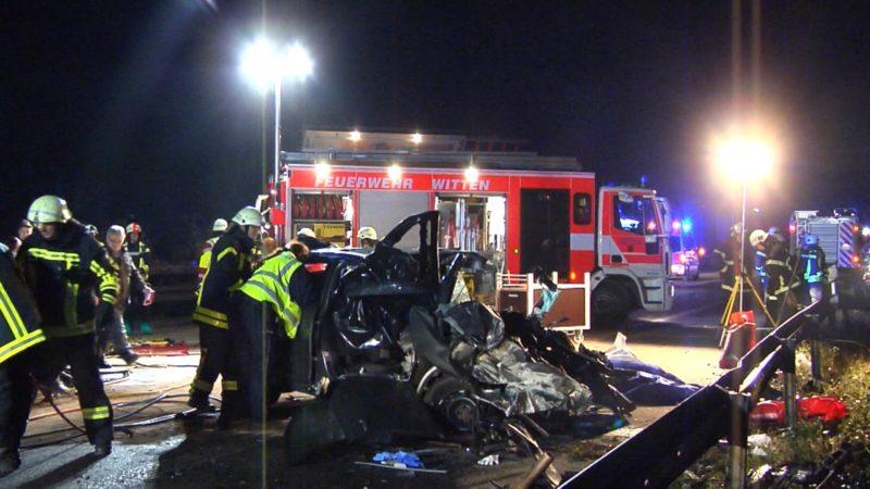Trauer nach Geisterfahrer-Crash (Foto: NRW Lokal)