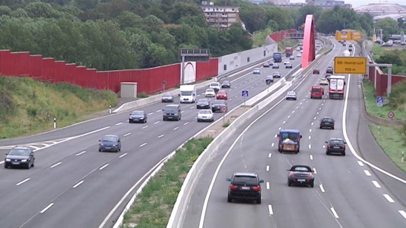 A40 wird gesperrt (Foto: SAT.1 NRW)