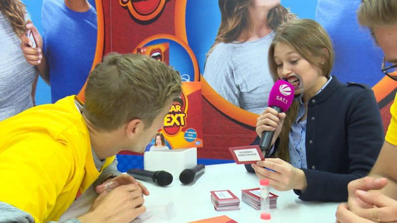 Spielemesse: Maulsperre zu gewinnen (Foto: SAT.1 NRW)