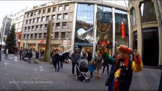 Seifenblasen-Verbot in Köln (Foto: Youtube/MrRheingold)