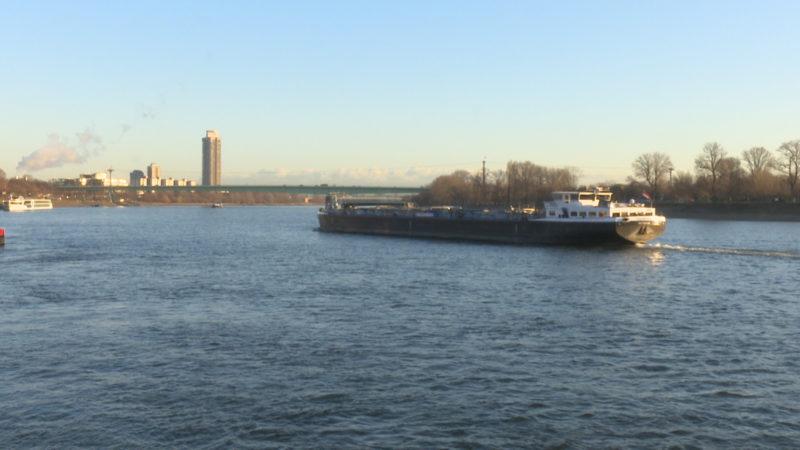 Schwimmer im Rhein vermisst (Foto: SAT.1 NRW)