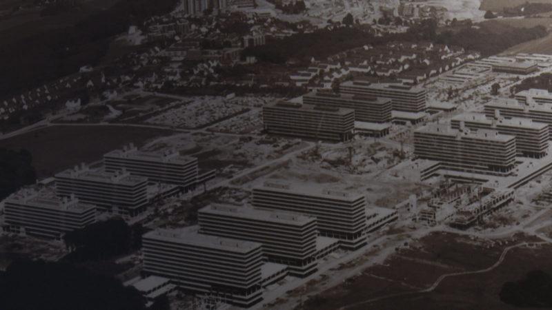 Luftbildaufnahme der Ruhr-Universität Bochum mit der im Bau befindlichen Mensa 1969. Quelle: M.Frank (Foto: SAT.1 NRW)