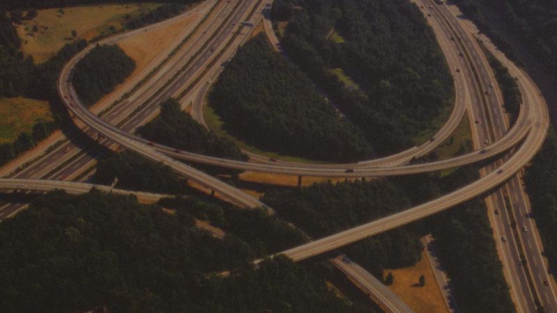 Schrägluftbild des Autobahnkreuzes Duisburg Kaiserberg A2/A3/A40  Quelle: Martin Frank, Gelsenkirchen (Foto: SAT.1 NRW)