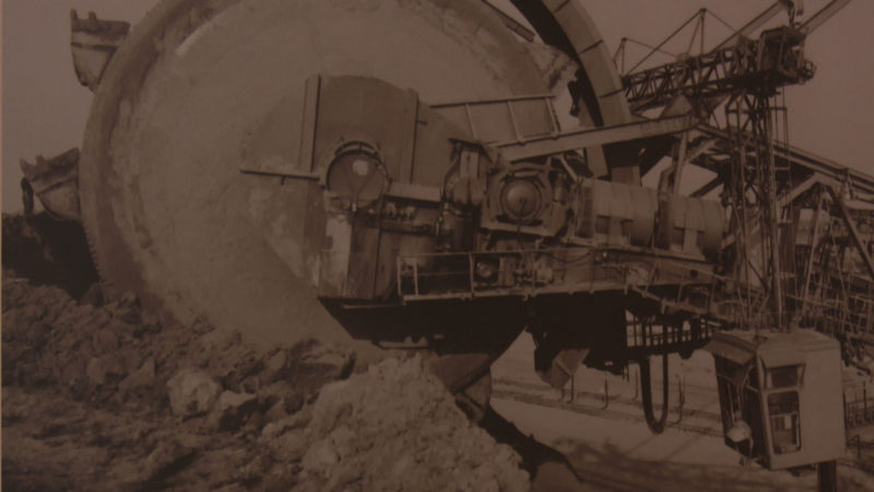 Schaufelradbagger im Braunkohletagebau in Frechen 1963.  Quelle: Landesarchiv NRW (Foto: SAT.1 NRW)