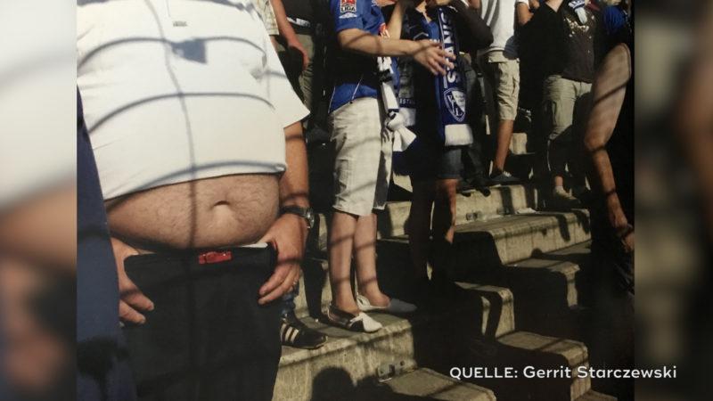 Dicke Fußballfans (Foto: Gerrit Starczewski)