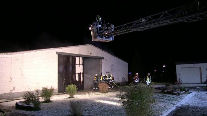 Feuer in Lagerhalle (Foto: SAT.1 NRW)