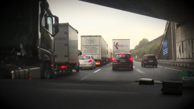 Verkehrs-Kollaps auf NRWs Straßen (Foto: SAT.1 NRW)