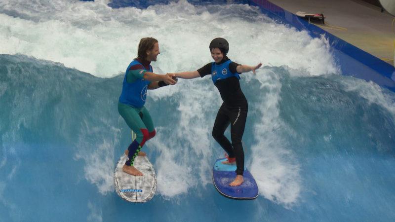 Das ist die perfekte Welle ... (Foto: SAT.1 NRW)