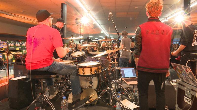 Konzert bei Aldi (Foto: SAT.1 NRW)