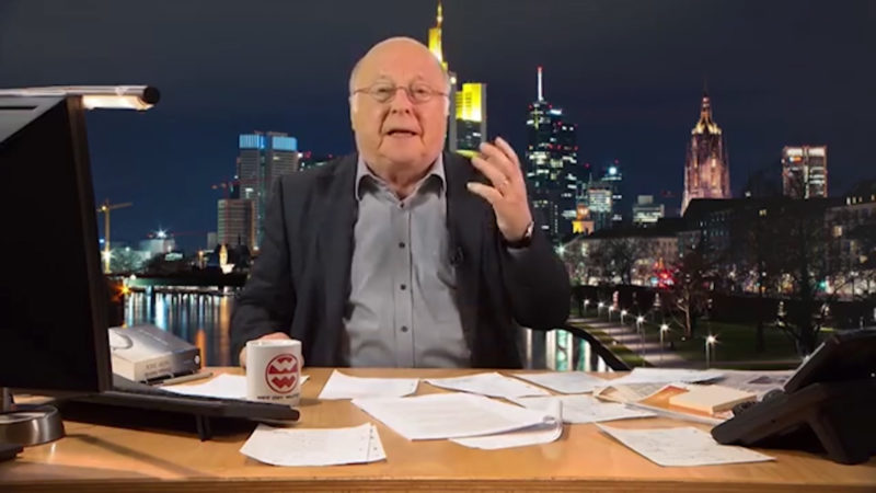 Norbert Blüm präsentiert Late-Night-Show (Foto: SAT.1 NRW)