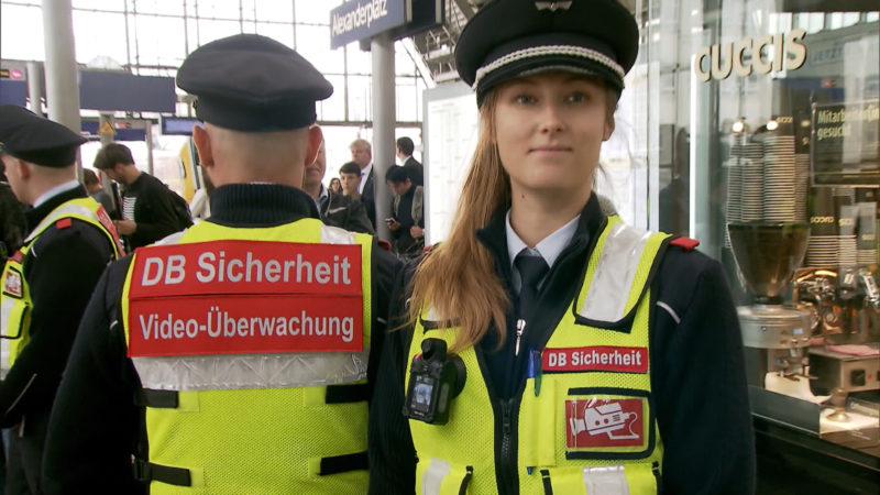 Bodycam für Sicherheit bei der DB (Foto: SAT.1 NRW)