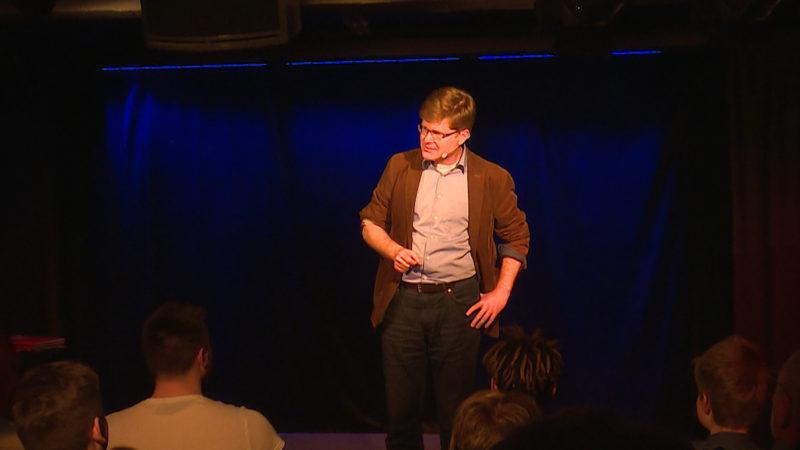 Lehrer wird zu Comedian (Foto: SAT.1 NRW)