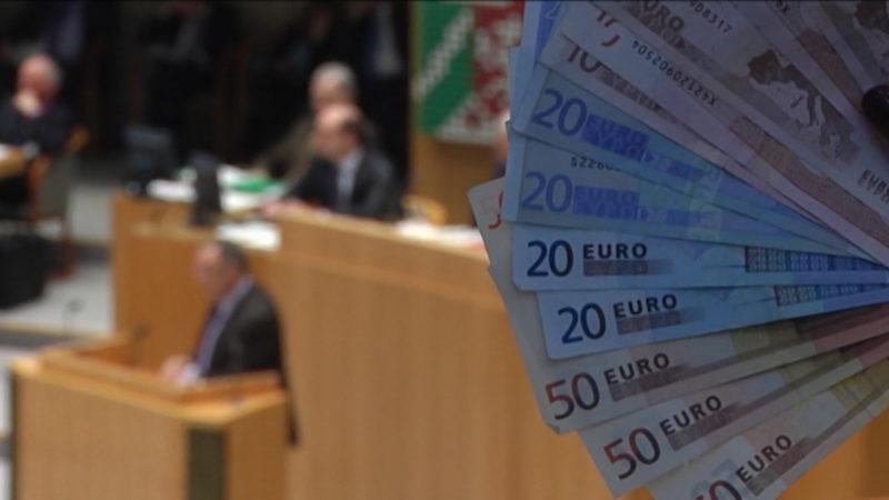 Politiker wollen weniger Geld - dürfen aber nicht (Foto: SAT.1 NRW)