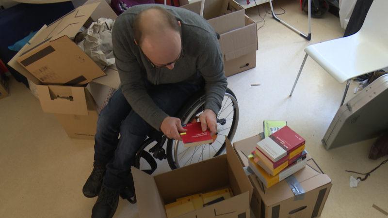 Rollstuhlfahrer bald obdachlos (Foto: SAT.1 NRW)