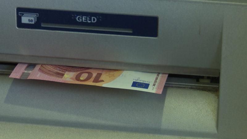 Gebühren beim Geld-Abheben auch bei anderen Banken (Foto: SAT.1 NRW)