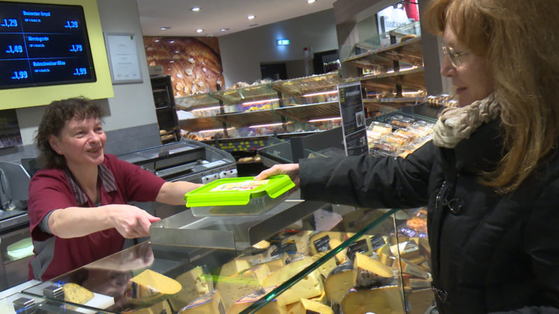 Frischebox im Supermarkt (Foto: SAT.1 NRW)