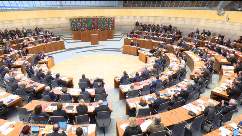 NRW-Innenminister äußert sich zu Rainer Wendt (Foto: SAT.1 NRW)