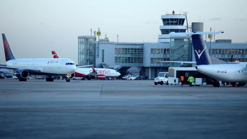 Piloten dürfen wieder allein im Cockpit sein (Foto: SAT.1 NRW)