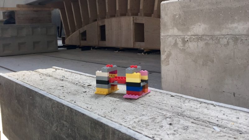 Brückenbau nach Lego-Prinzip (Foto: SAT.1 NRW)