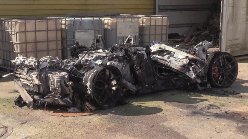 Sportwagen-Crash auf der A57 (Foto: SAT.1 NRW)
