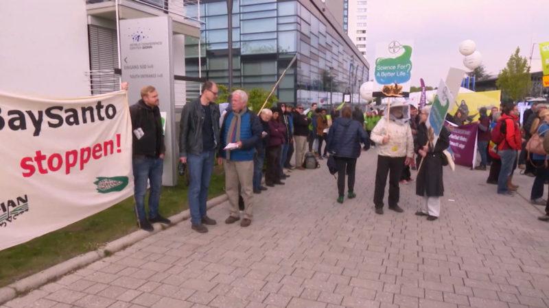 Protest gegen Monsanto-Übernahme durch Bayer (Foto: SAT.1 NRW)