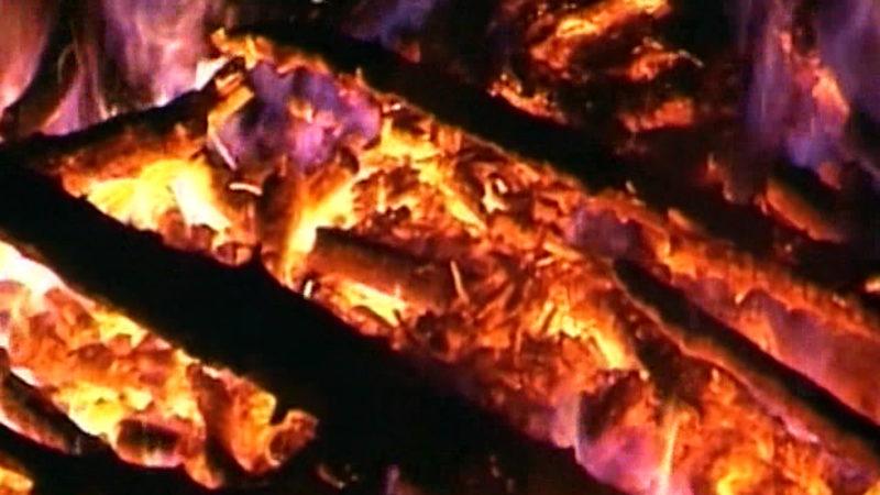 Feuer in Reifenlager (Foto: SAT.1 NRW)