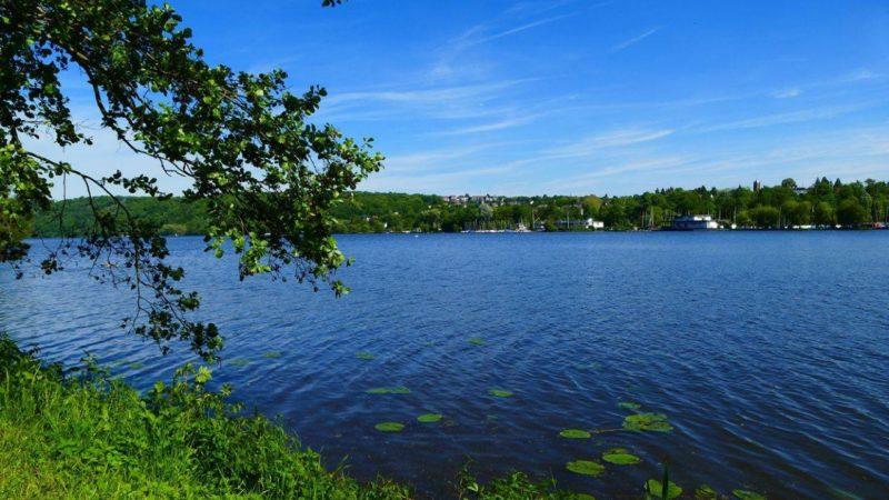Mönch wohl im See ertrunken (Foto: SAT.1 NRW)