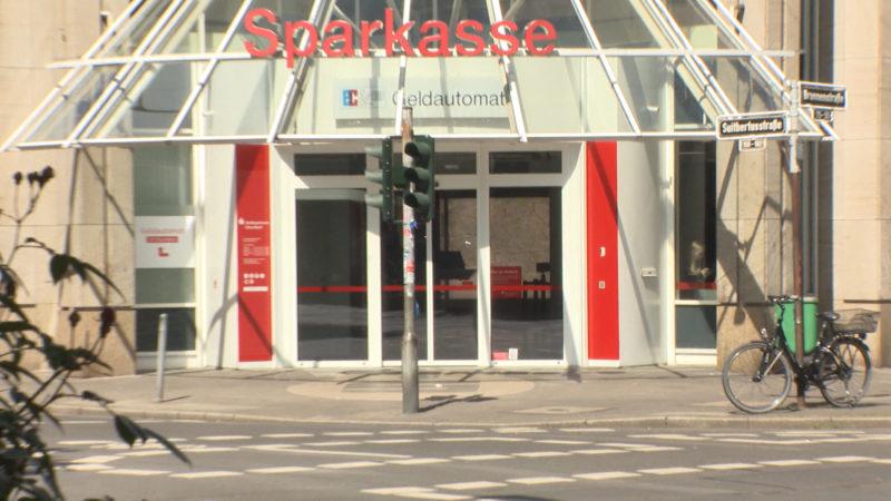 Sparkasse fordert vor Gericht Geld von Bankräuber (Foto: SAT.1 NRW)